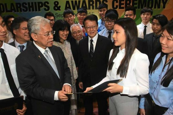3,000 students receive scholarships worth RM45 million