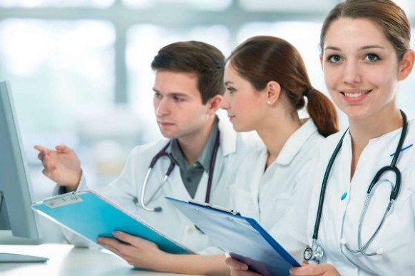Lecturers should promote critical thinking among medical students