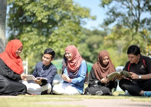 Postgraduate Opportunities with IIUM