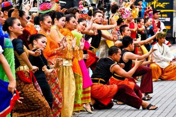 chinese culture in malaysia essay